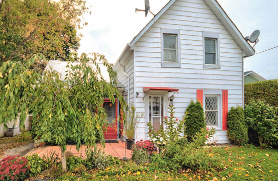 44 Peel Street, Penetanguishene, ON